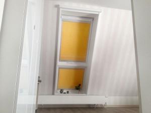 Fensterkombination (Lichtband) mit Innenfutter und Verdunkelungsrollos