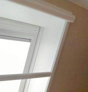 Dachwohnfenster mit Innenfutter und Insektenschutzrollo
