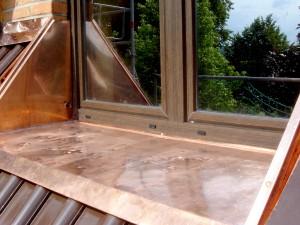 Fensterbank mit Kupfer