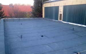 Dachabdichtung mit Bitumenbahnen
